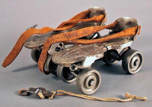 24_roller-skates
